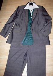 Продам костюм(брюки пиджак )