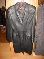 Продаю длинный кожаный пиджак